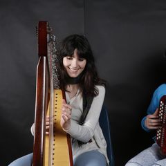 Emer Toale Harpist in the UK