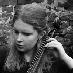 Hattie Butterworth Cellist in London