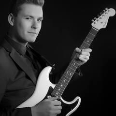 Arron Ritchie Guitarist in Coventry
