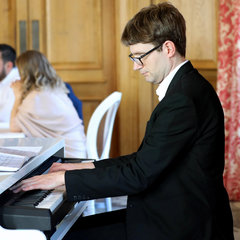 Tom Kelsey Pianist in Oxford
