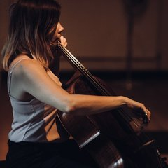 Louise Dearsley Cellist in London