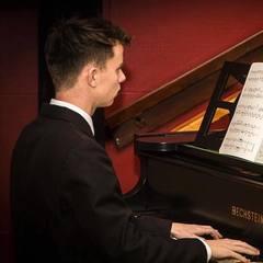 Ben Churchill Pianist in Birmingham