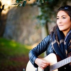 Pari Shahmir Singer in Hertfordshire
