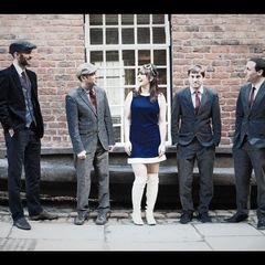 The Retrosettes Wedding Band in Chester