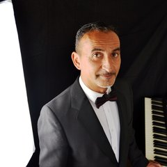 Rafael Comino Pianist in Cheshire