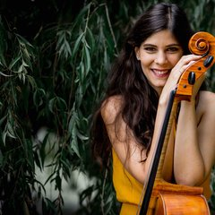 Carola Krebs Cellist in London