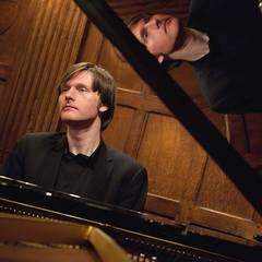 Carl Greenwood Pianist in the UK