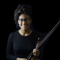 Raye Harvey Violinist in the UK