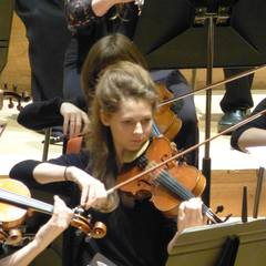 Leonie Jones Violinist in Birmingham