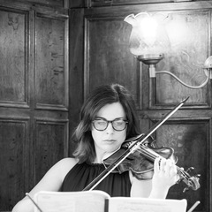 Daphne Manavopoulos Violinist in London