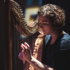 Pippa Reid-Foster Harpist in Glasgow