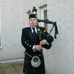 Michael Dailly Bagpiper in Glasgow