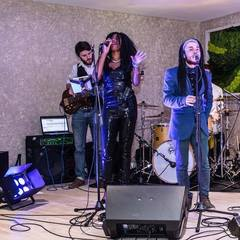 Motown  band Jocelyn  Knight  / Happy Mondaze Tribute Function Band in Manchester