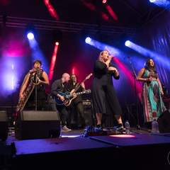 Nina Cox Singer in Liverpool