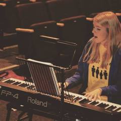 Arlene McNaught Pianist in the UK