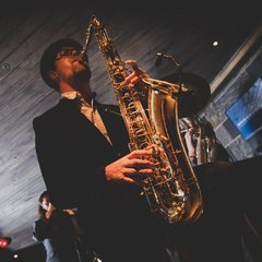 Tom Pickles Saxophone Player in Edinburgh