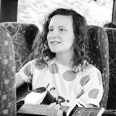 Anna Kent Viola Player in York