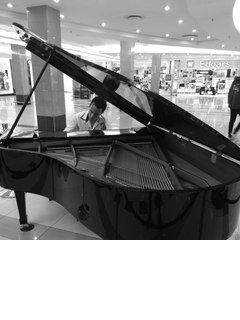 Larry Moreira Pianist in the UK