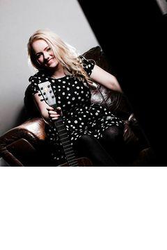Lorna Adams Singer in Leeds