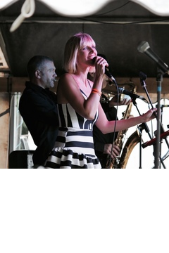 Miss Dolores & Friends Jazz Band in the UK