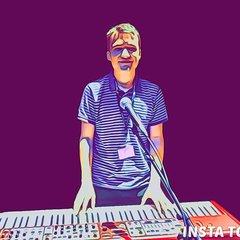 Scotty Handy Pianist in Newcastle