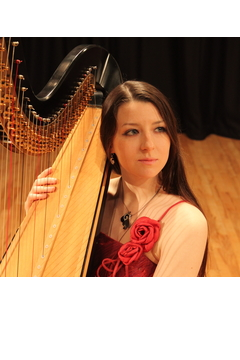 Amy Turk Harpist in the UK