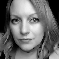 Emma Gunn Singer in Derby