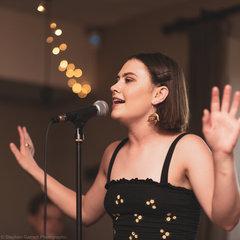 Charlotte Lazenby Singer in Leeds