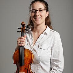 Greta Ferro Violinist in Lincoln