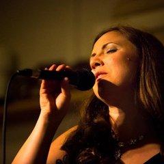 Marion Nicolosi Singer in Reading