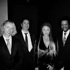 Coco & The Question Jazz Band in London