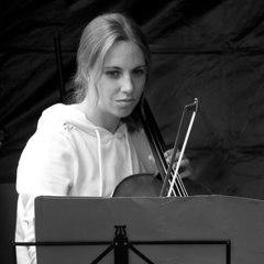 Jackie Baxter Cellist in Glasgow