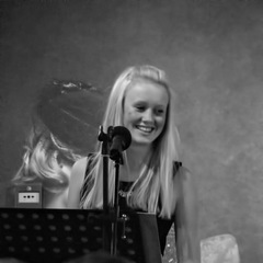 Rebecca Hawkins Singer in the UK