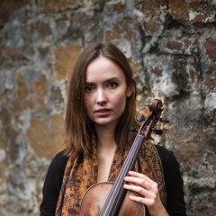 Katie Feuvre Viola Player in London