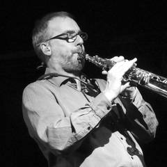 Simon Currie Solo Sax Saxophone Player in Oxford