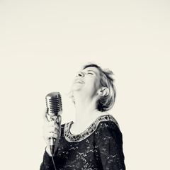 Francesca Confortini Singer in the UK