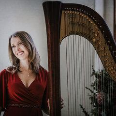 Louise Lowe Harpist in Sheffield