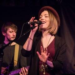 Chloe Blackwell Singer in the UK