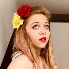Jade Donno Singer in Cambridge