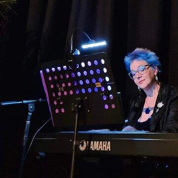Karen Newby's profile picture