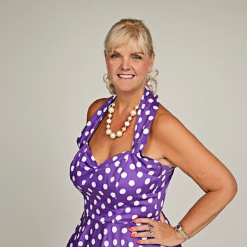 Anna Nightingale Wedding Singer with a difference 's profile picture