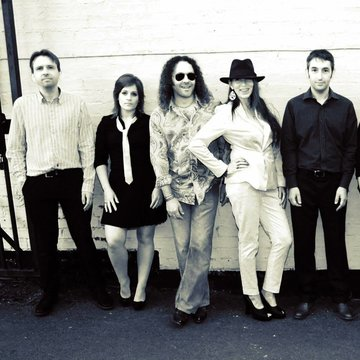 Cath Coombs and the Awesome Soul Collective's profile picture