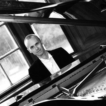 Rich Jones Jazz & Pop Pianist / Singing Pianist's profile picture