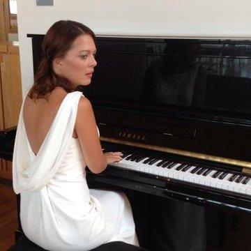 Michelle Parry's profile picture