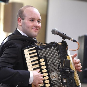 Leonard Brown and his Ceilidh Band's profile picture