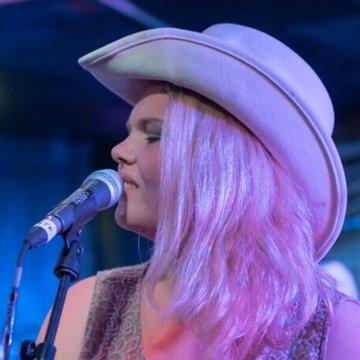 Katie Whittaker's profile picture