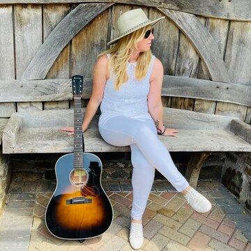 Chloë Acoustic's profile picture