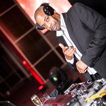 DJ Wayne Smooth's profile picture