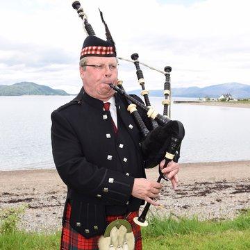 Gus the Piper's profile picture