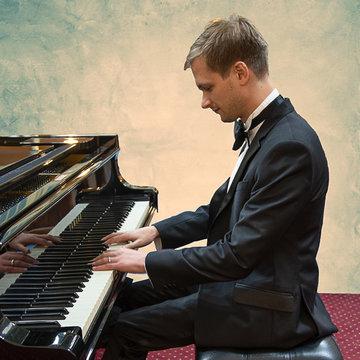 Joshua Crunden's profile picture